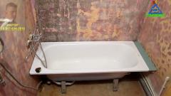 Установка ванны на силиконовый герметик