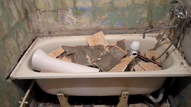 Как НЕ надо делать укладку плитки при ремонте в ванной. Укладка плитки на плитку и окрашенные стены - LALAMASTER.RU