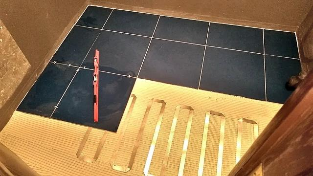 Укладка плитки на тёплый пол за 20 минут - LALAMASTER.RU