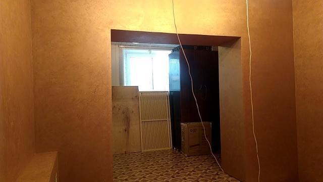 Бюджетный, простой и быстрый способ отделки стен в квартире декоративным покрытием в один слой - LALAMASTER.RU