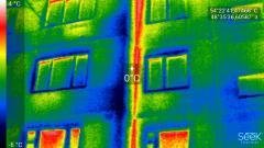 Почему промерзают пластиковые окна и стены в квартире