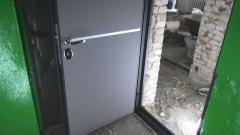 Замена входной двери в квартире