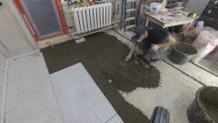 Как сделать легкую цементную стяжку в старом доме
