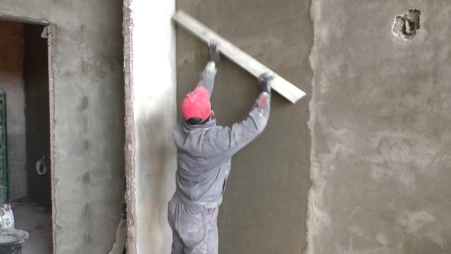 Как сделать качественную цементно-песчаную штукатурку? Машинное нанесение - LALAMASTER.RU