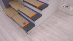 Качественный монтаж деревянных ступеней на бетонное основание