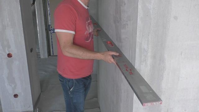 Качественная установка малярного уголка в один уровень со стеной - LALAMASTER.RU